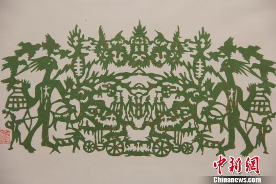 追寻远古记忆 蒙古族剪纸艺术展亮相重庆