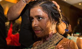 印度9名遭硫酸毁容女子登高级时装秀