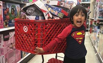 这个6岁的小男孩一年收入7000多万元!……