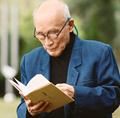 87岁诗人举动惊人/
