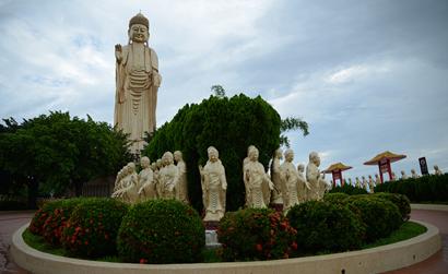 """为什么佛教说""""西方""""为极乐世界?"""