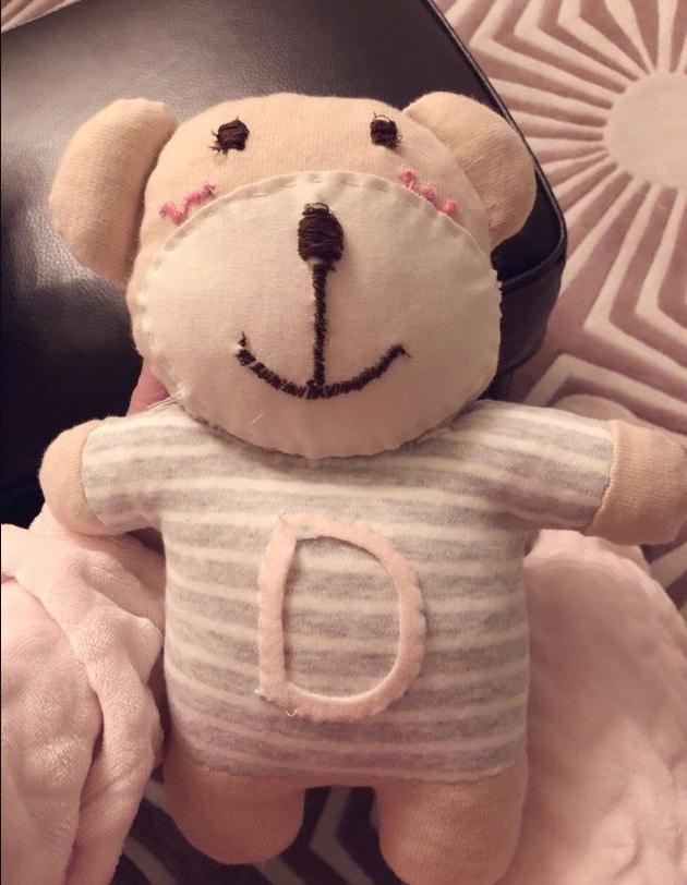 手工界新星!准妈妈谢娜亲手做娃娃送佟丽娅等好友