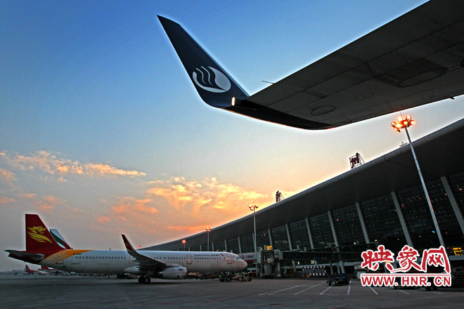 """郑州机场2017航班放行正常率达82.7% 跻身""""6大准点""""机场"""
