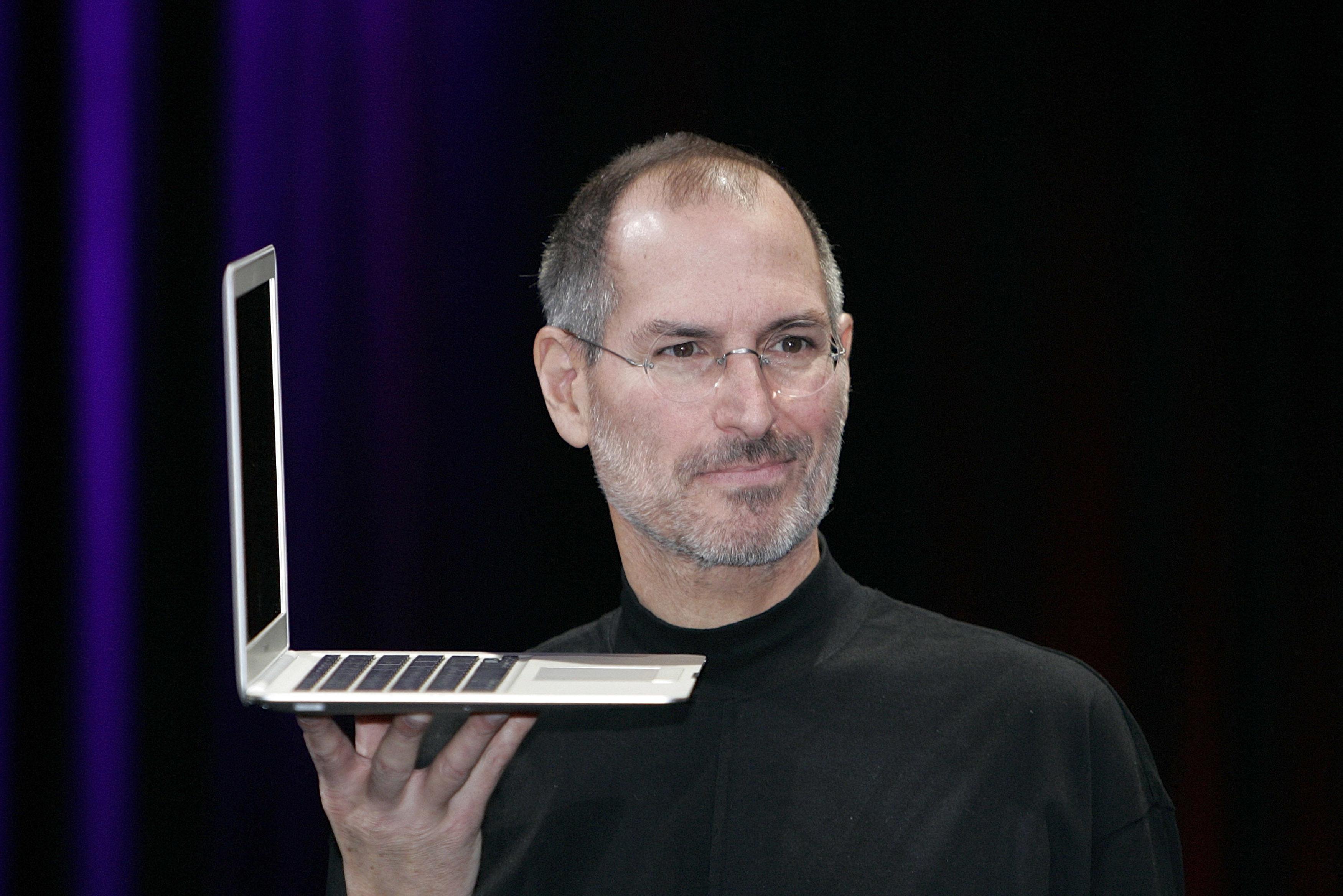 MacBook Air 10岁了:乔布斯当初是这样改变了笔记本