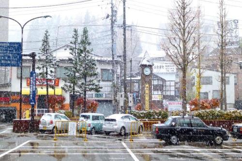 """日本""""幽灵小镇""""警示中国:老龄化让房价永远不再回升(图)"""