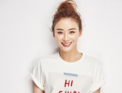 袁姗姗体重过百变健身达人 超少餐食让网友震惊