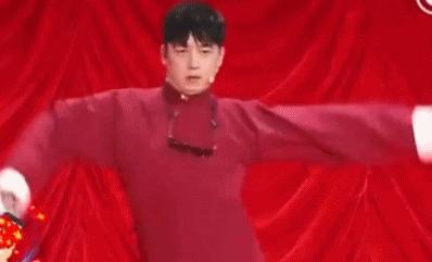北京春晚:潘粤明讲相声 实力演绎什么叫接地气