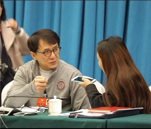 成龙委员:我将捐出全部个人收藏 在安徽蚌埠建文化馆