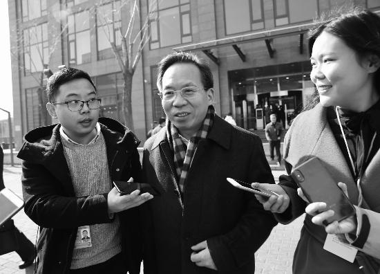 刘尚希:个税起征点调整需考虑综合平衡