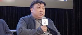 王晶斥某网站盗窃电影行为无耻 扔话筒愤然离席