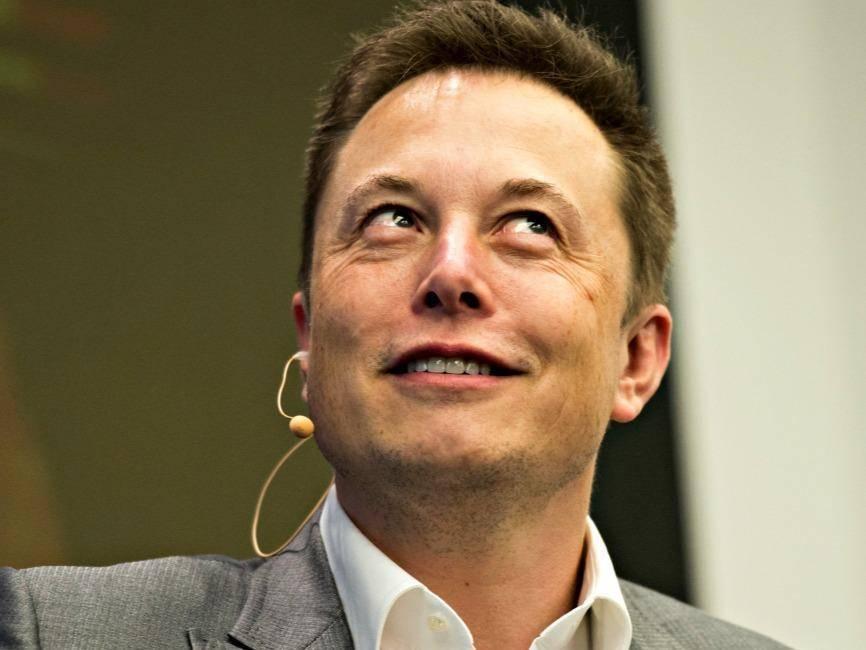马斯克详解火星移民计划:2024年火星上将有6艘飞船