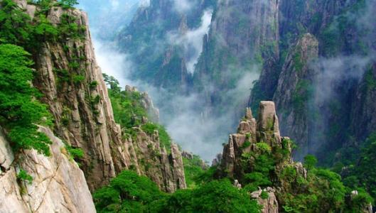 清明小长假安徽自驾游火热 黄山风景区游客超85万人次