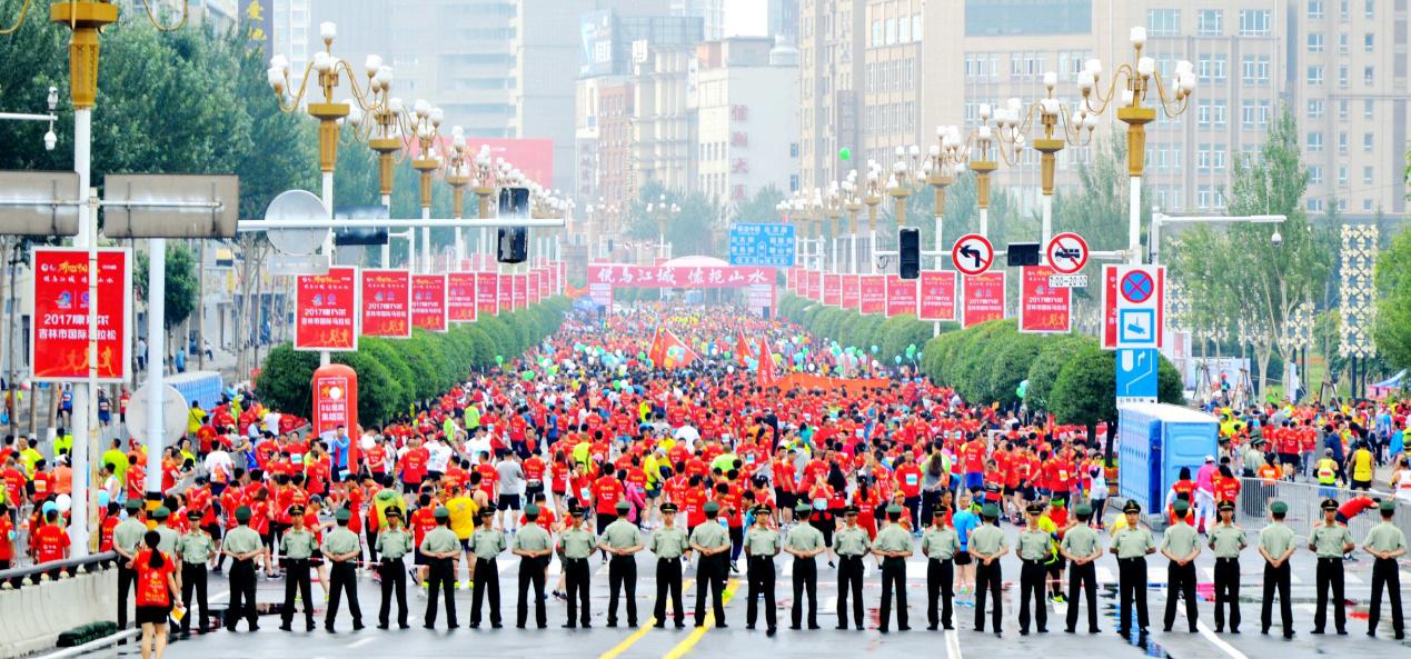 多元文化融合演绎最精彩的《奔跑中国》