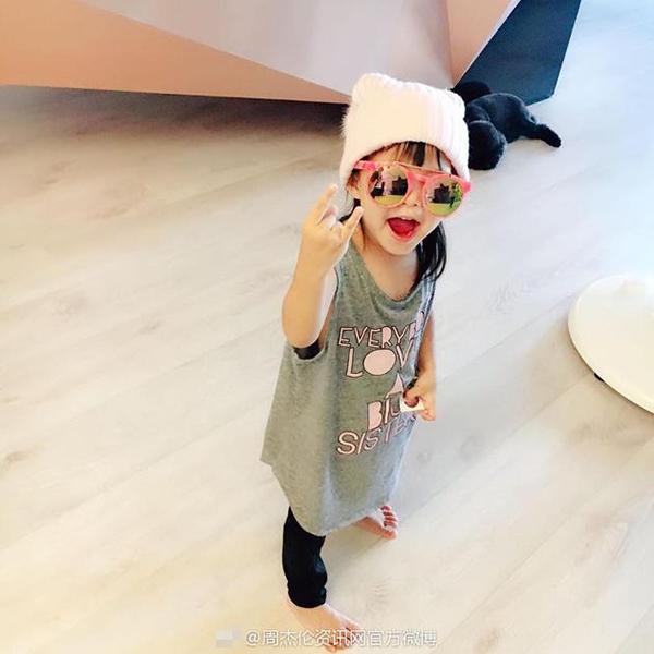 周杰伦晒女儿全身照引昆凌吃醋:被取代了…_娱乐频道_凤凰网