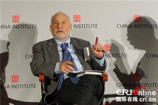 美诺贝尔经济学奖得主:美国应尊重中国发展的权利