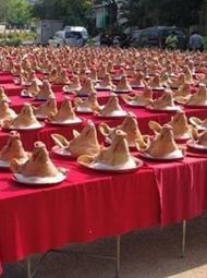 泰国6府献祭 现场摆满猪头