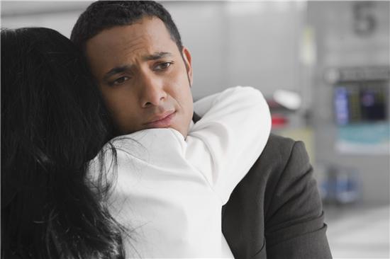 结婚半年妻子大变脸 离婚时才知儿子不是我的