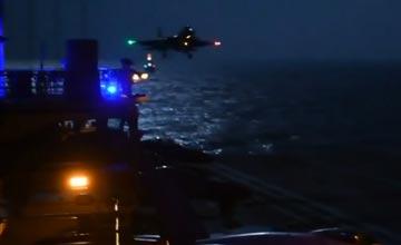 """歼-15夜间在辽宁舰起降 中国航母开始具备夜战能力"""" width="""