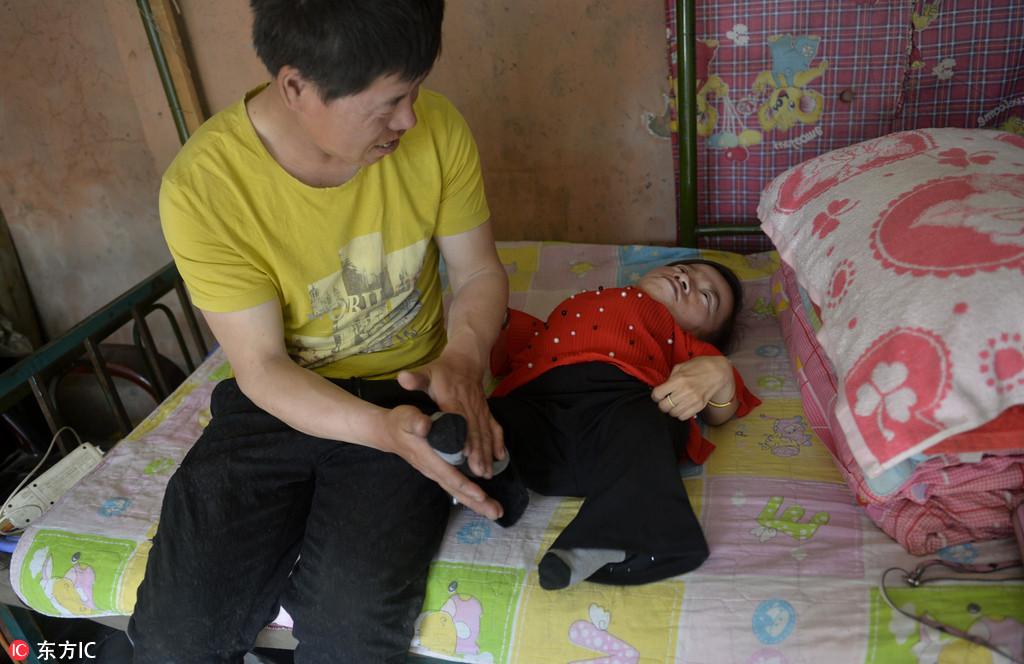 38斤瓷娃娃为取悦丈夫对自己下狠手