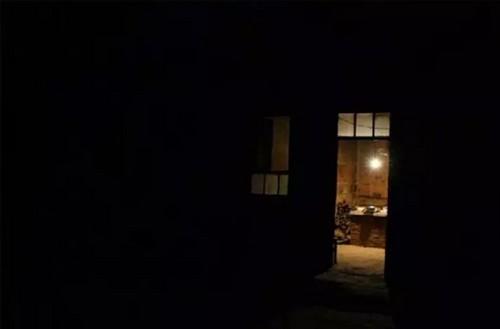 夜晚淡定风景图