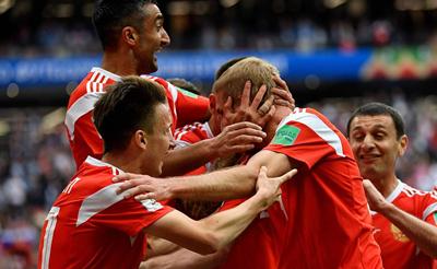 世界杯揭幕战-22岁妖星两传一射 俄罗斯5-0沙特迎开门红