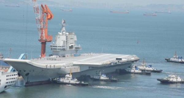 国产航母提前首航 各项试验成功