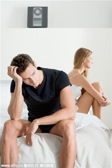他出轨逼求离婚,一年后复婚却对我冷暴力