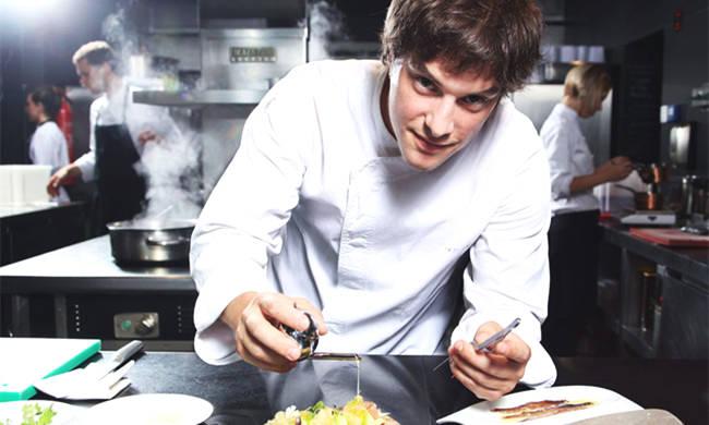 这位24岁就拿到米其林星的主厨