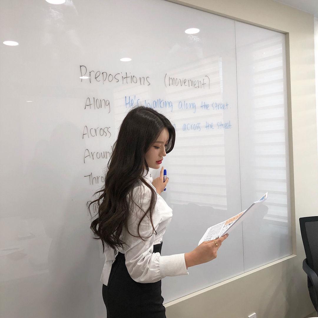 韩国英语老师Sarah Kim走红 妹子图 热图2