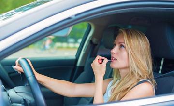 家里有女司机的千万要看,这8个行为个个都很致命!
