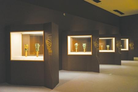 两百多件古蜀文物亮相国博-十大珍宝展现璀璨文明_三星-青铜-文物-展览-文化
