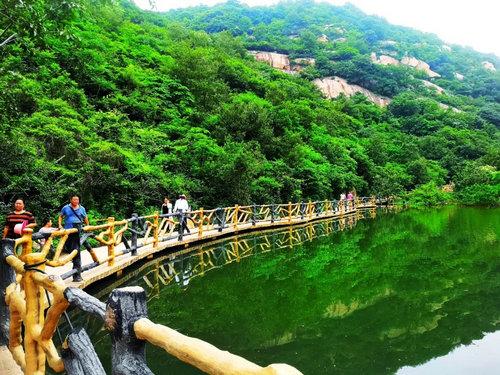 8月1日起 南阳方城七峰山自驾游免高速路桥费