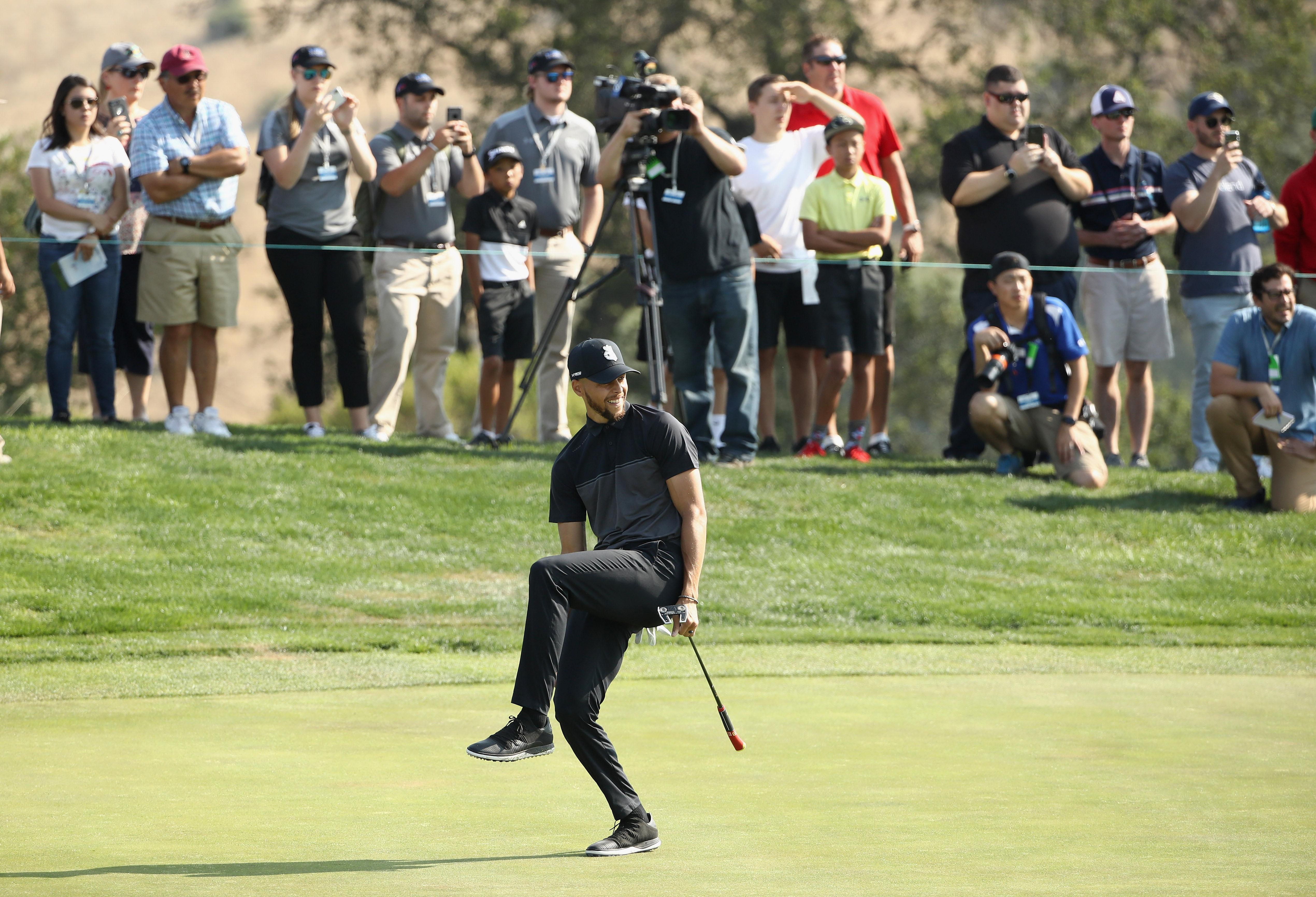 库里参加高尔夫顶级职业赛 71杆表现相当惊人