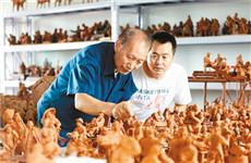 民间艺人捏出160多个泥塑 再现关中72个老行当