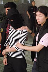 女子偷钻戒被捕