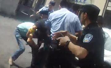 警察制服嫌犯后才发现自己被割喉