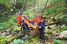 外地游客在朱雀国家森林公园坠落 警民57小时营救