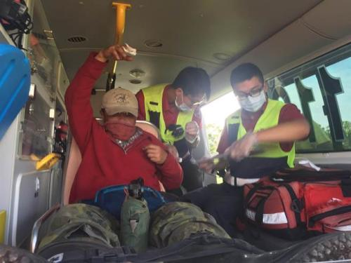 台湾登山者获救后逃跑 致7名救援者遇险