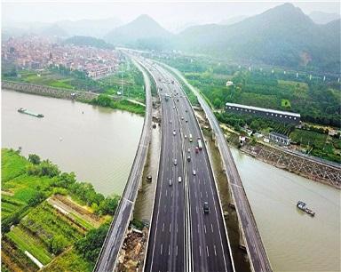 杭金衢高速改扩建通车,最拥堵公路变一马平川