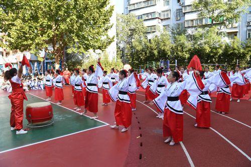 孔子铜像活动举行仪式