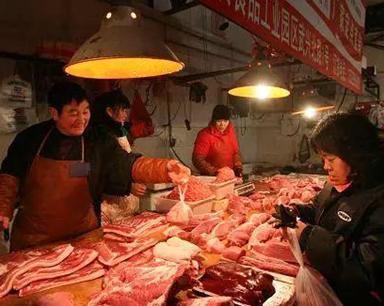 逼得老人去邻镇买肉 恶势力为何能操控农村肉价?