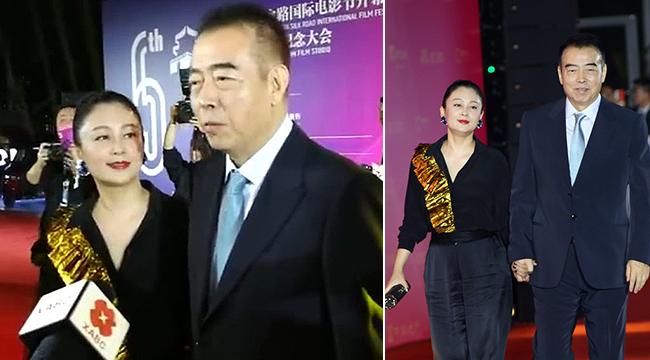 """陳凱歌夫婦走紅毯全程手牽手 陳紅""""望夫眼""""滿臉崇拜"""