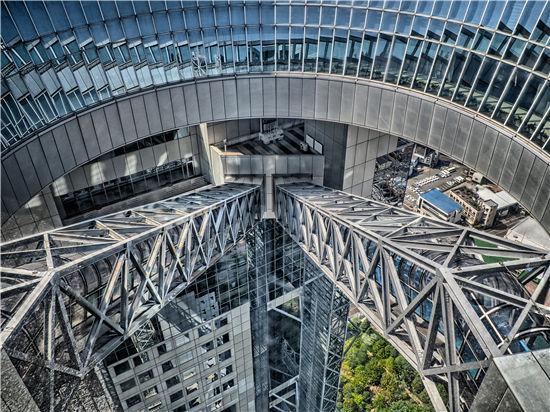 卡萨罗纵横世界设计之旅:简约大方却暗藏机密的梅田蓝天大厦