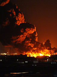 天津:滨海新区仓库起火