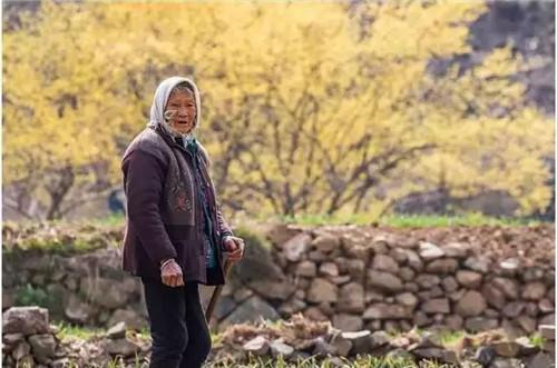 嵩县黄庄乡三合村手绘小镇 隐藏在山林间 有着你未曾见过的原始风景