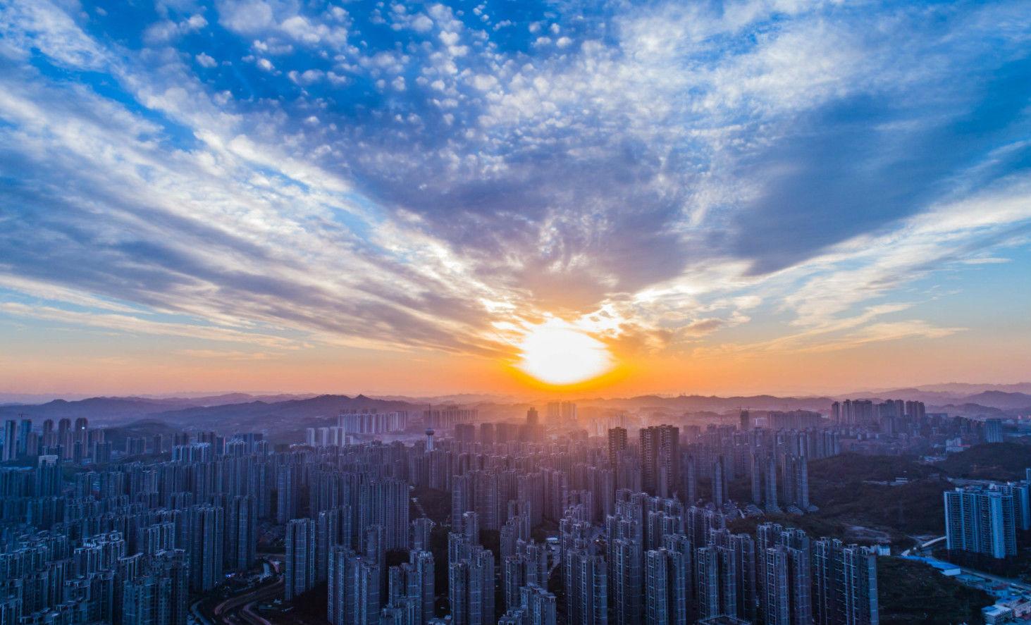 今天的夕阳美的不像话!