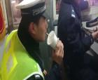 河南商丘:一杯奶茶暖心,警民携手保畅!