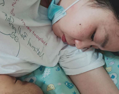 女婴患先天性胆道闭锁 安徽90后妈妈割肝救女