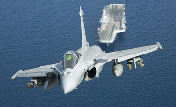 法国接收最强阵风战机 印度指望它抗衡歼20