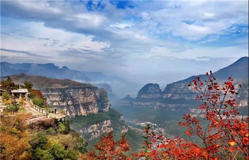 """荣登""""游客热度增长最快的自然景区""""榜首 太行大峡谷再现火爆热潮"""